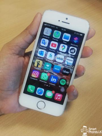 Apple I phone SE - 1/5