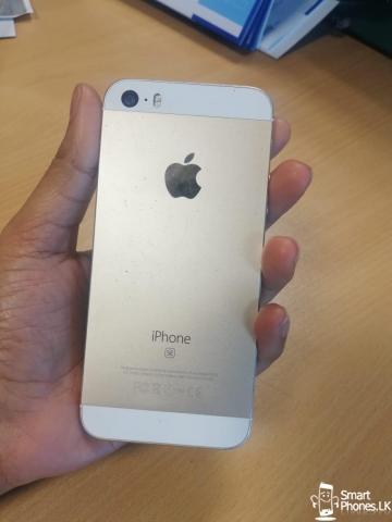 Apple I phone SE - 2/5
